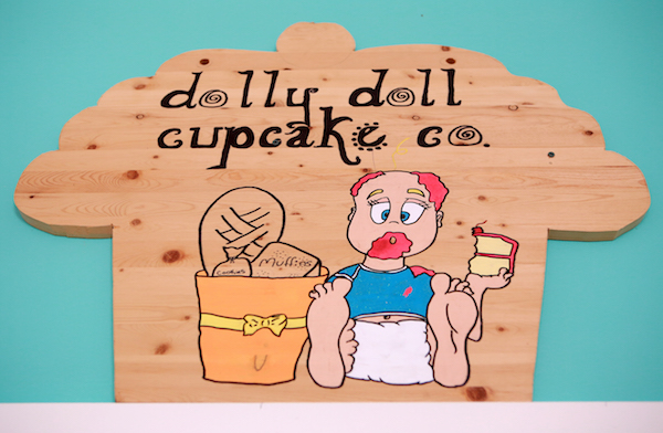 dolly doll cupcake co